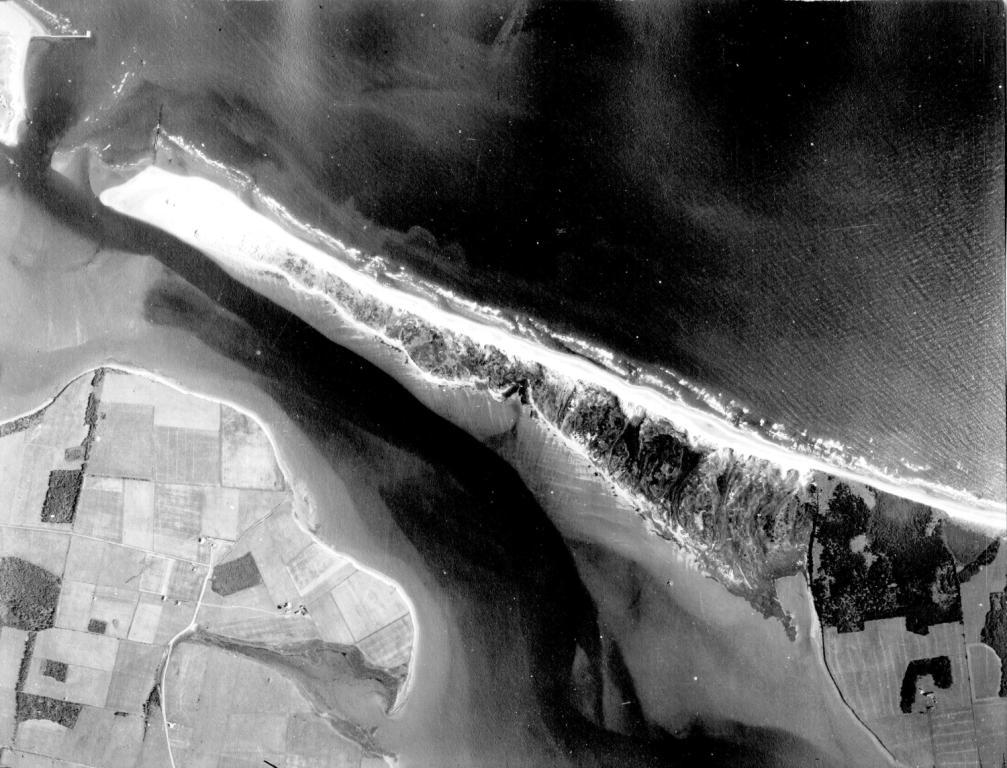 Aerial photo of Robinsons Island, 1935