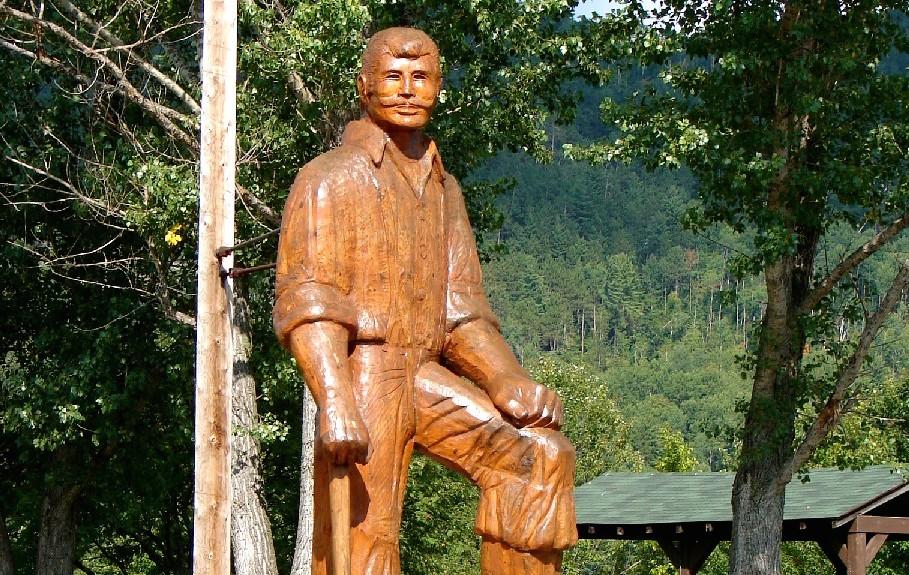 Statue of Mufferaw in Mattawa, ON.  Wikipedia