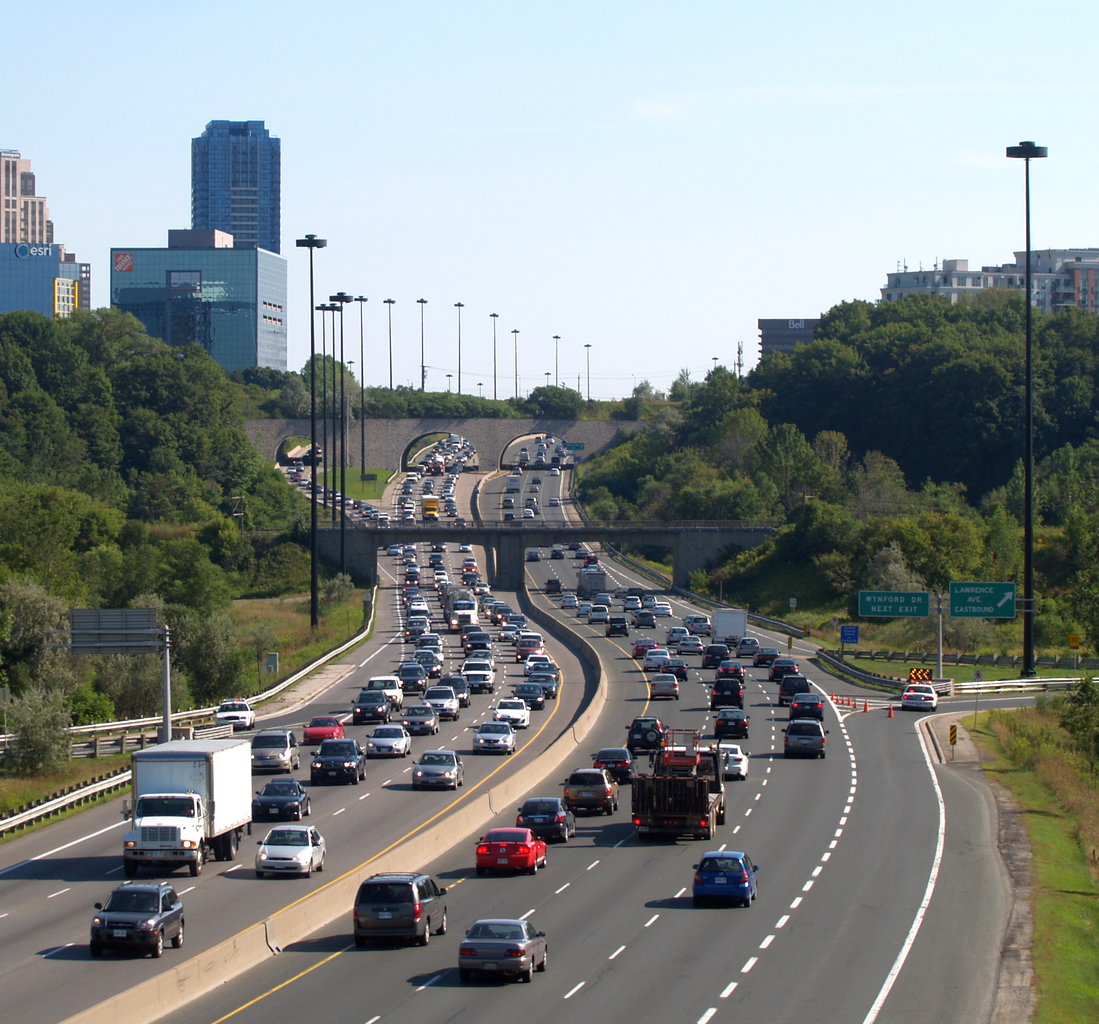 Congestion on the DVP. Source: Wikipedia