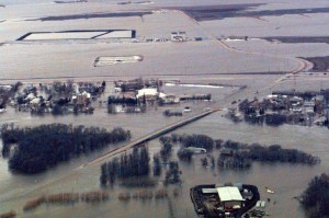 The town of Ste. Agathe, Man., is seen from the air showing the flood breach area in this 1997 photo. Source: Globe and Mail (Handout/CP)