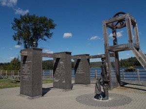 Miner Monument on Elliot Lake. Photo by author.