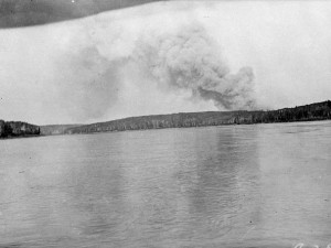 Athabasca River Forest Fires, Sec. 12, Alberta. Library and Archives Canada, a040625